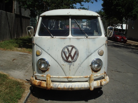 Rusty-VW-Van-for-Ascension-of-Jerry-prologue2