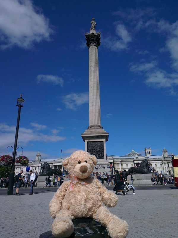 Trafalgar square resiz