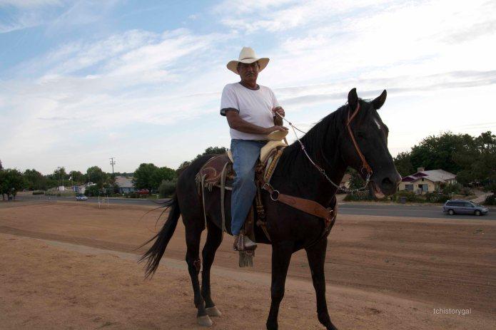 Hey Mister, can I ride your horse? No hablo perro, Senorita.