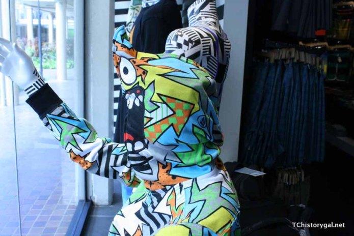 Clothes in HI003