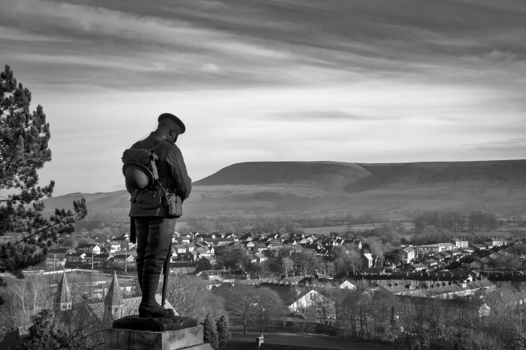 monochrome, unusual perspectives, CB&W, Clitheroe castle